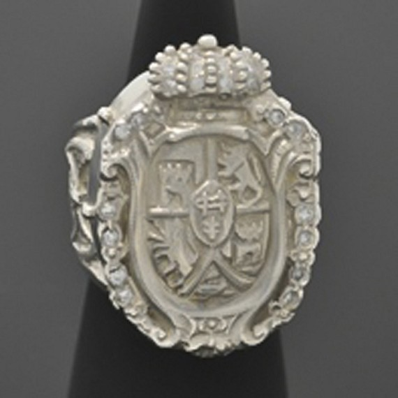 Crest & Crown Ring with White Diamonds