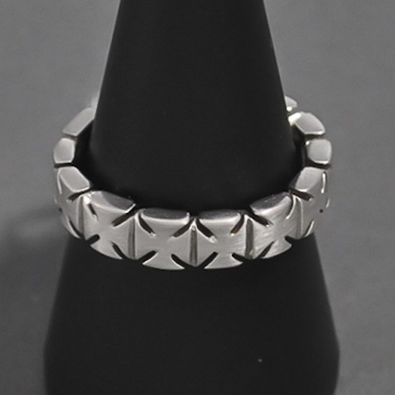 14K White Gold All-Around Maltese Cross Ring