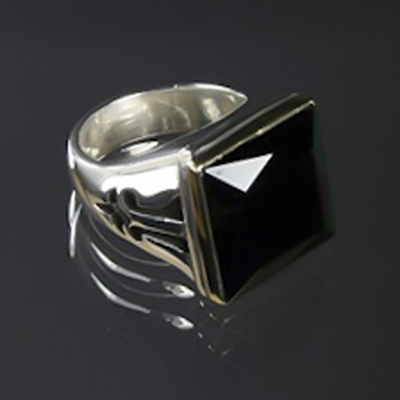 Square Black Spinel Ring with 18K Gold