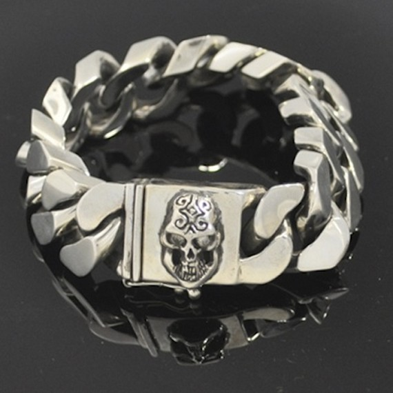 Silver Carved Skull Cuban Link Bracelet with Champagne Diamond Eyes